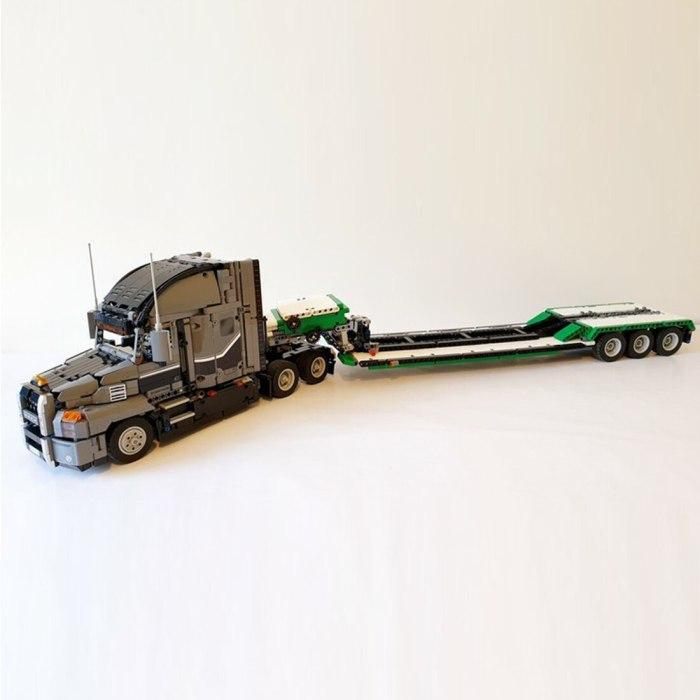 695Pcs MOC Truck Trailer Bricks DIY Small Particle Building Block Model For Children Educational Toys Birthday Gift- White Green