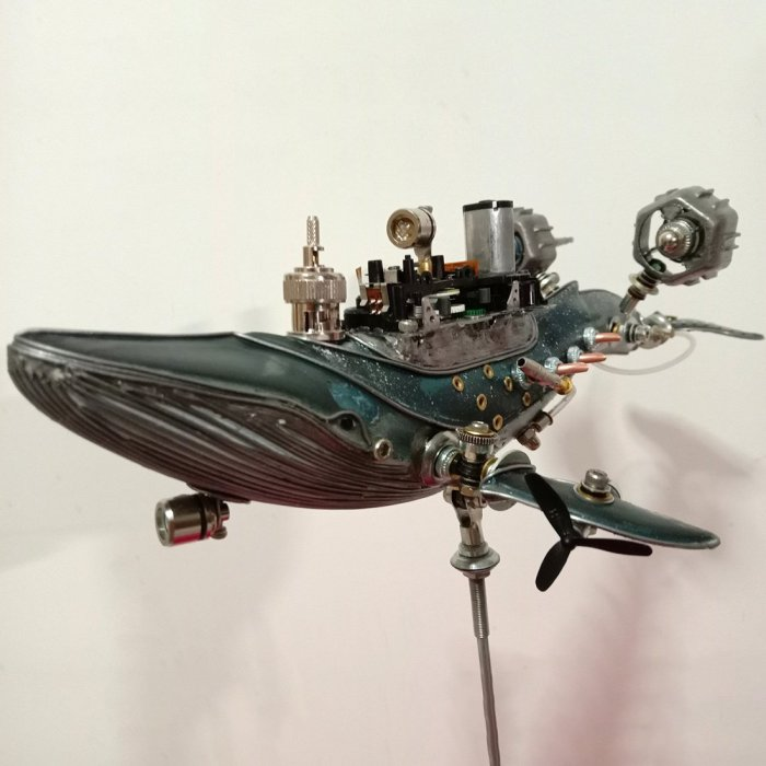 Steampunk Abandoned Whale Warship Metal Assembled Model Kits With Light 3D Handmade Crafts