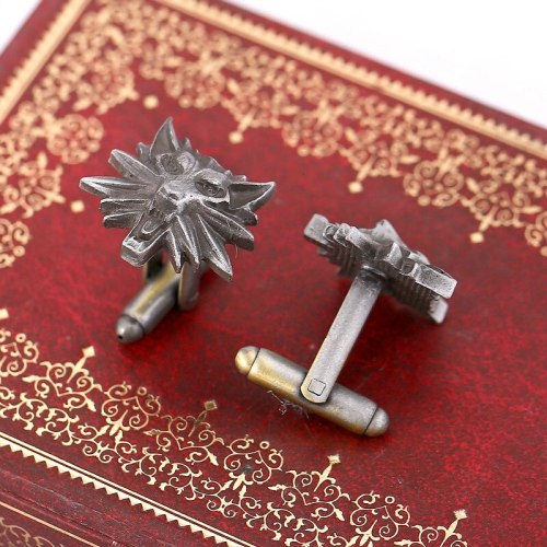 Game The Witcher 3 Wild Hunt Medallion Wolf Head Cufflinks Wizard Witcher Wild Figure Cuff Links Men Cuff Buttons Jewelry
