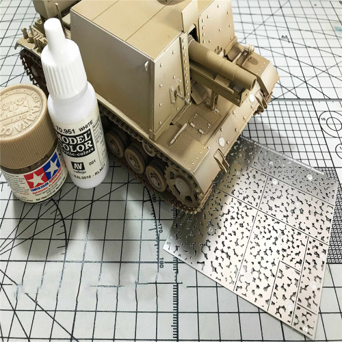 Creative Camouflage Leakage Spray Stenciling Template DIY Spray Plate Tool for Gundam Military Model Accessories