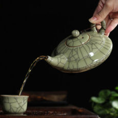 Large Crackle Glaze Ge Kiln Longquan Celadon Teapot 300ml Celadon Longquan Pot