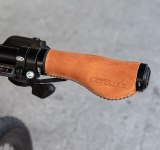 GUB  G-611 2pcs/1 Pair Bicycle Handlebar Cover Grips Rubber Soft Anti-Skid Cycling Bike Handle Grips Bar End Non-slip on Lock