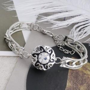 Diseño 20MM chapado en plata con diamantes de imitación blancos y esmalte KC5538 broches de joyería