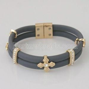 High quality 19cm silicone bracelets with metal accessories