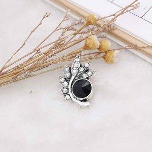 Diseño 20MM chapado en plata con diamantes de imitación negros KC6570 broches de joyería