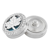 22mm white alloy Maple leaves Aromatherapy/Essential Oil Diffuser Perfume Locket snap with 1pc 15mm discs as gift