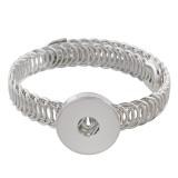 El botón 1 de Partnerbeads se ajusta a la pulsera de metal y se ajusta a los trozos