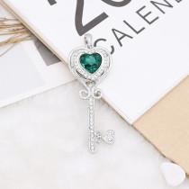 Diseño en forma de corazón 20MM chapado en plata con diamantes de imitación verde KC9924 broches de joyería