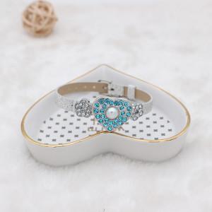 20MM en forma de corazón plateado con diamantes de imitación azules y joyería de perlas a presión