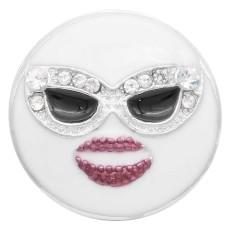 20MM Schnappverschluss mit lächelndem Gesicht Versilbert mit weißem Strass und Emaille KC7917 schnappt Schmuck