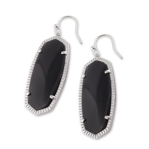 Pendientes colgantes Elle estilo Kendra Scott. Piedras preciosas de ágata negra con baño de plata. Tamaño Elle