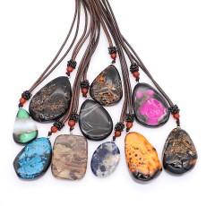 Collier en pierre naturelle 10pcs / lot avec chaîne en cuir 65cm (livraison aléatoire de la couleur de la pierre)