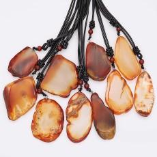 Collar de piedra natural 10pcs / lot con cadena de cuero 65cm