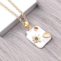 Natural pearl pendant comes with cute golden accessories008