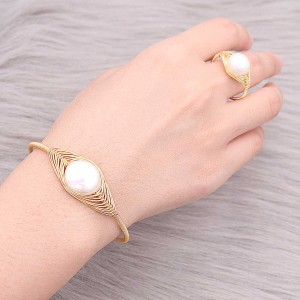 Nature Pearl Bangle Bracelet made of  copper wire real gold plating wrap adjustable size