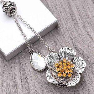 20MM Flores de plata chapada con encantos de pedrería naranja KC8150 se ajusta a presión