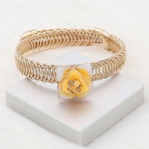 Flores chapadas en oro chapado a presión 12MM con esmalte de diamantes de imitación naranja KS7151-S se ajusta a presión