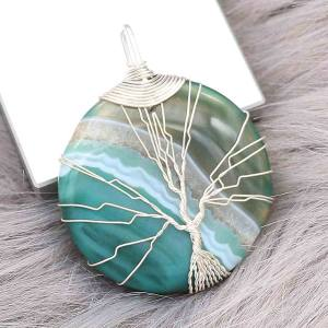 Natural stone-agate Tree of life copper Pendant of necklace in the moon night