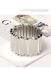 Exaggerated alloy bracelet