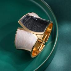 レトロなファッションオイルドリッピングブレスレット、ゴールドマッチングの非対称ワイドエッジブレスレット