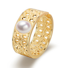 Baroque retro pearl Wide Bangle