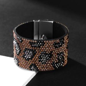 Широкий браслет с бриллиантом и леопардовым принтом