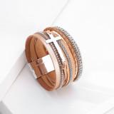 Bracelet de style national bohème Bracelet à fermoir magnétique en cuir multicouche avec croix en diamant pour femmes