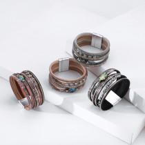Pulsera ancha estilo navideño serpentina de diamantes pulsera de hebilla de cuero multicapa
