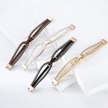 Minimalistisches mehrschichtiges geometrisches Ringarmband aus Leder mit magnetischer Schnalle Leichtes luxuriöses symmetrisches Lederarmband