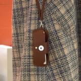 16.5 * 7CM Modische doppelseitige Schutzhülle aus PVC-Lederbrille, tragbarer Lederspiegelclip, hängende Brillentasche, Schutzhülle gegen verlorene Brille für 18 & 20 mm Snap Buttom Sanp-Schmuck