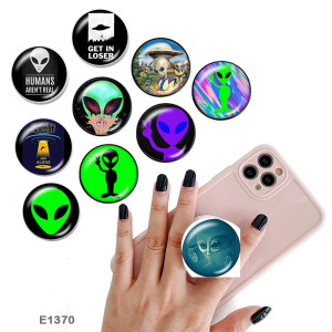 Alien The mobile phone holder Painted phone sockets with a black or white print pattern base