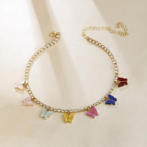 Collar con colgante de cruz de corazón de amor de mariposa de color de cadena de garra de diamante Collar de clavícula