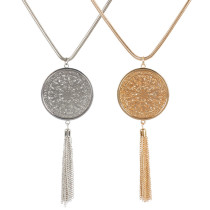 Collier long à pampilles avec pendentif disque creux