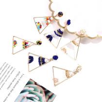 Boucles d'oreilles dorées personnalisées triangle de perles