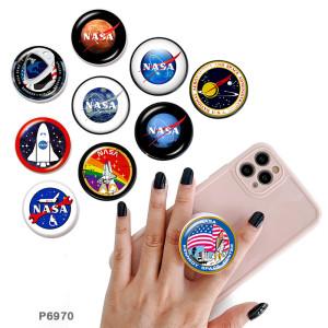NASA Le support de téléphone portable Prises de téléphone peintes avec une base à motif imprimé noir ou blanc