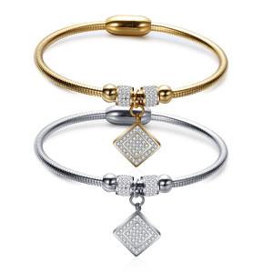 Bracelet à fermoir magnétique en or en acier inoxydable avec chaîne serpent carrée en diamant pour femme
