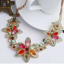 Luxury Fashion Necklace Beautiful Flower Diamond Necklace Ladies Necklace Jewelry Clavicle Chain  necklace for women