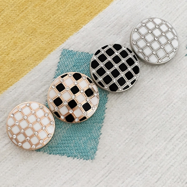 22MM metal Metal, dripping black and white grid, shell four-leaf clover silver plated snap charms