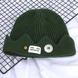 Automne et hiver UncleYao Drame américain River Valley Town Chapeau de laine tricoté avec couronne de style universitaire américain ajustement bouton-pression de 18 mm