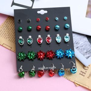 Weihnachtsohrringe Europäische und amerikanische Kombination Set Auto Tasse CCB Kerze Metall Blume Glocke personalisierte Ohrringe Set
