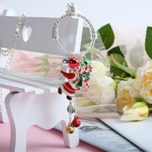 Weihnachtshalskette Lange Kette mit hängender Legierung Weihnachtsmütze Geschenkknoten Glocke Urlaub 65CM Halskette