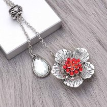 20MM Flowers Snap versilbert mit roten Strasssteinen Charms KC8152 Snaps Jewerly