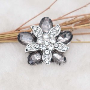 20MM design snap silver Plated with gray rhinestone KC6918 snaps jewelry
