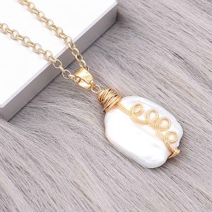 Natural pearl pendant comes with cute golden accessories004