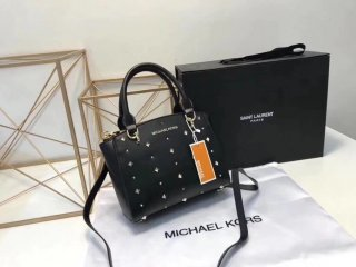 Michael Kors 2018 counters new chain rivets Messenger hand-held dumpling bag