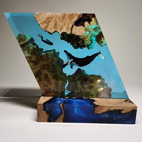 Whale Diver Model LED Night Light Creative Desktop Resin Decorations Handicrafts
