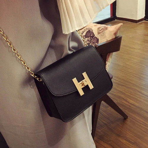 Free shipping, 2019 new trend women handbags, fashion simple flap, retro Korean version shoulder bag, chain woman messenger bag.