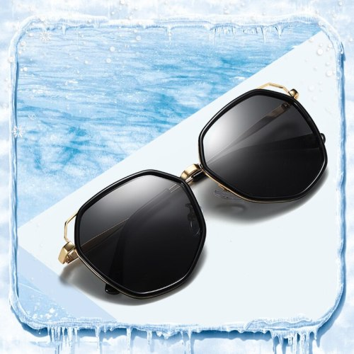 High Quality Sunglasses Girls UV Protection Eyewear Polarized Brand Designer Vintage Retro Glasses Children Kids Red Lens Shades