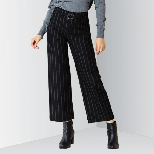 E·BECKY Women's Fashion High Waist Casual Striped Loose Ninth The various accessories in the picture are for shooting and are not included in the