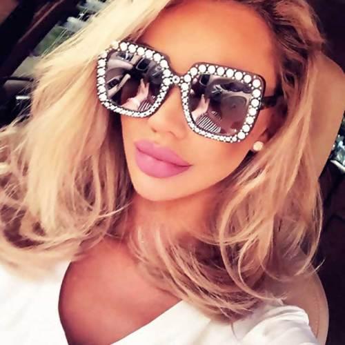 1Pc Women's Oversize Vintage Faddish Eyewear Wayfarer Fashion Wipe clean Solid Color Sweet Sequined Sunglasses Accessory